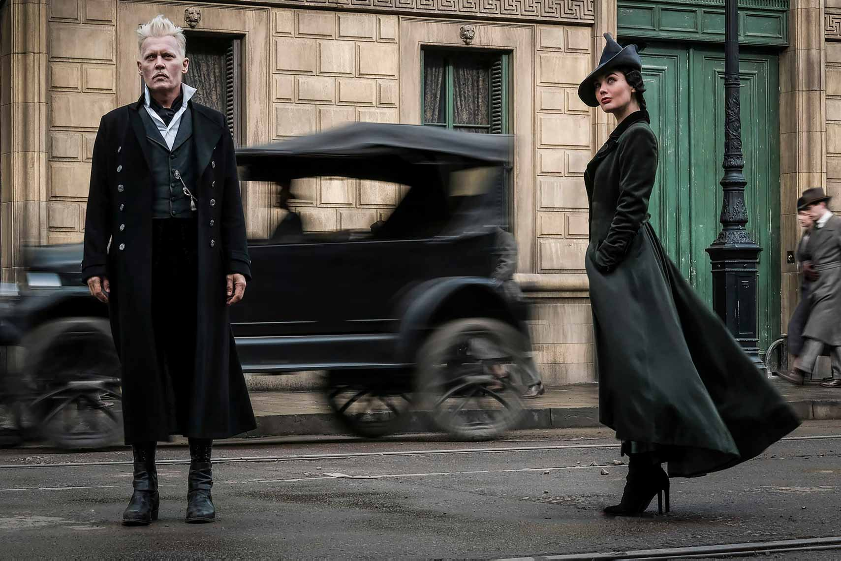 fantastic-beasts-the-crimes-of-grindelwald_ZfIRgt